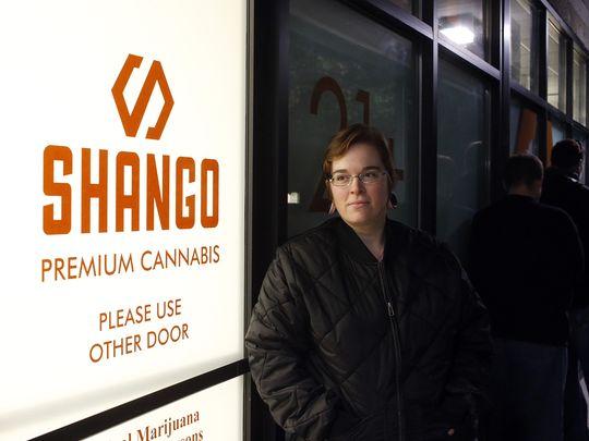 Legal recreational pot sales begin in Oregon